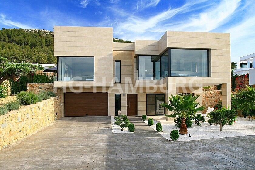 Stunning villa with modern finish - HG Hamburg